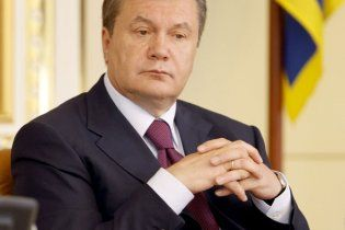 Янукович продлил срок полномочий Стельмаха