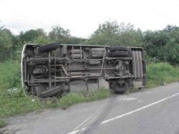 На Волині перекинувся автобус: травмовано восьмеро пасажирів