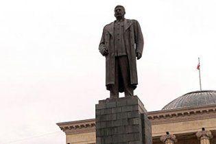В родном городе Сталина снесли его памятник