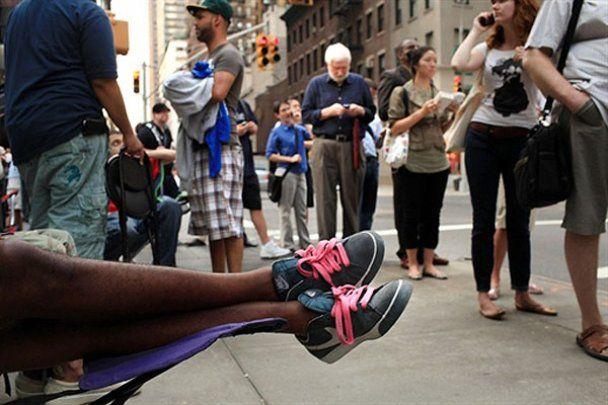 Америка стоит в очереди за новым iPhone4