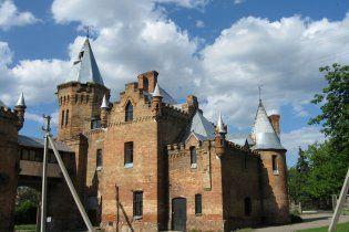 На Запоріжжі руйнується єдиний замок південно-східної України