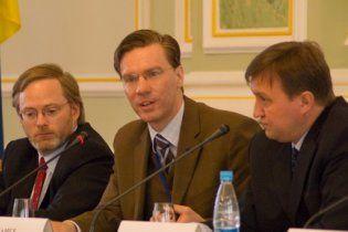 Немецкого эксперта пустили в Украину после  восьмичасового задержания