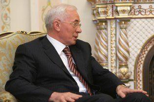 Азаров спробує знизити банківські кредитні ставки