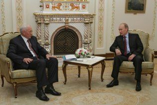 Азаров обсудит с Путиным газовый вопрос