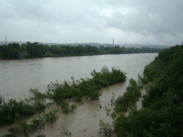 На Буковине усилилось наводнение: подтоплено более 3000 домов