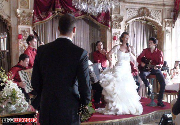 Мила Йовович устроила громкую свадьбу в Москве