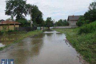 Україна отримала першу партію гуманітарної допомоги від Росії