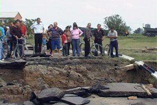 Мешканців підтоплених регіонів закликали не пити воду з колодязів