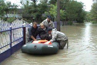 В зоне стихийного бедствия на Буковине оказались четверть миллиона человек