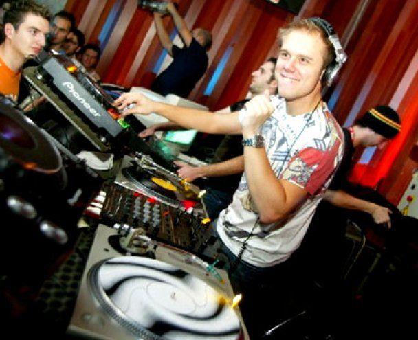 Armin Van Buuren вчетверте став найкращим діджеєм світу