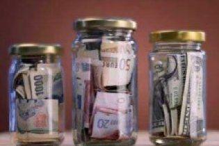 "Банки ""одолжили"" Азарову еще 1,6 млрд гривен"