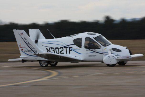 Американці почали виробляти автомобілі, які літають (відео)