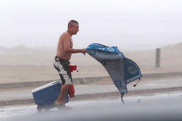 """В Америці вирує тропічний ураган """"Алекс"""""""