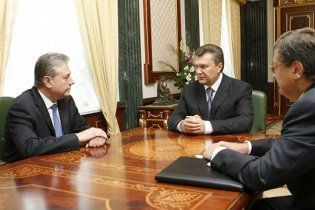 Янукович розповів новому послу, як треба дружити з Росією
