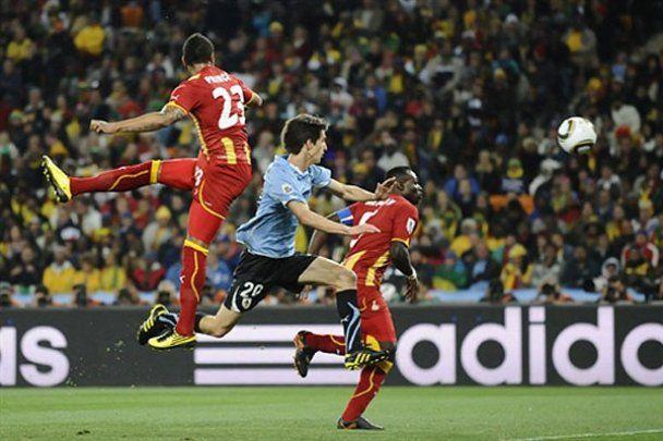 Первый четвертьфинал ЧМ- 2010. Фотоотчет