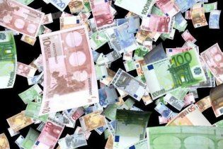 Евро в обменниках подорожал почти до 10 грн