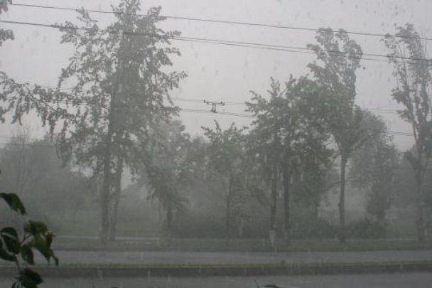 Запоріжжя затопила ураганна злива