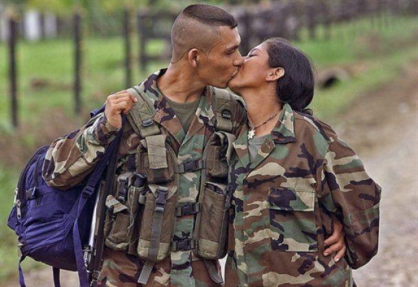 Світ відзначив День поцілунків
