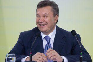 Партия регионов: Обама и Меркель умные, но Янукович лучше