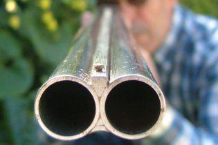 На Полтавщині ревнивець застрелив кохану і тричі спробував вбити себе