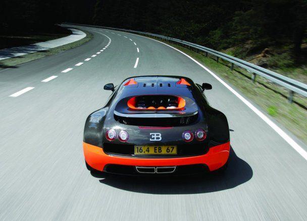"""Новий """"монстр"""" від Bugatti побив світовий рекорд швидкості"""