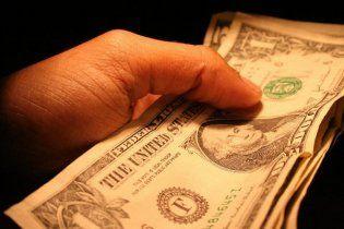 На кожному киянинові висить борг у 430 доларів