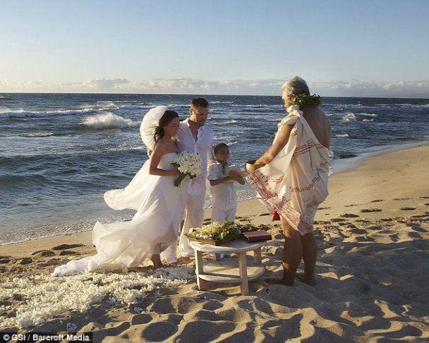 В Інтернеті з'явились фото з весілля Меган Фокс