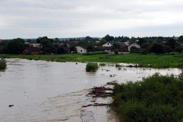 Прикарпатье страдает от наводнения