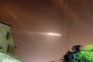 У Китаї очевидці відзняли НЛО, яке паралізувало роботу аеропорту Сяошань