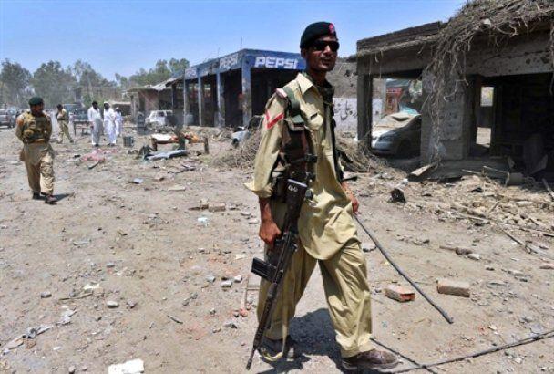 Количество жертв теракта в Пакистане превысило сто человек