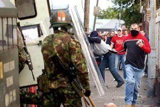 В Северной Ирландии вспыхнули беспорядки: десятки пострадавших