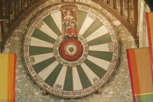 Британські вчені знайшли легендарний Круглий стіл короля Артура
