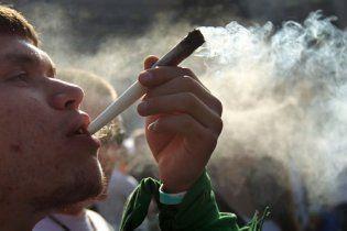 Американец пожаловался полиции, что выкурил отвратительную марихуану
