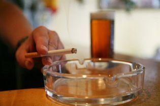 В Киеве запретят курить в кафе
