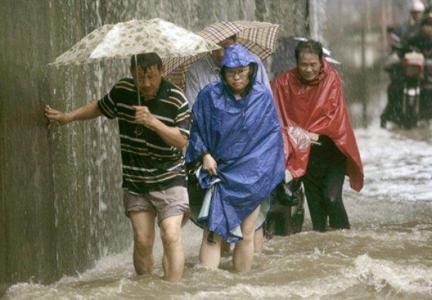 В Китае из-за наводнения эвакуированы более 10 тысяч жителей