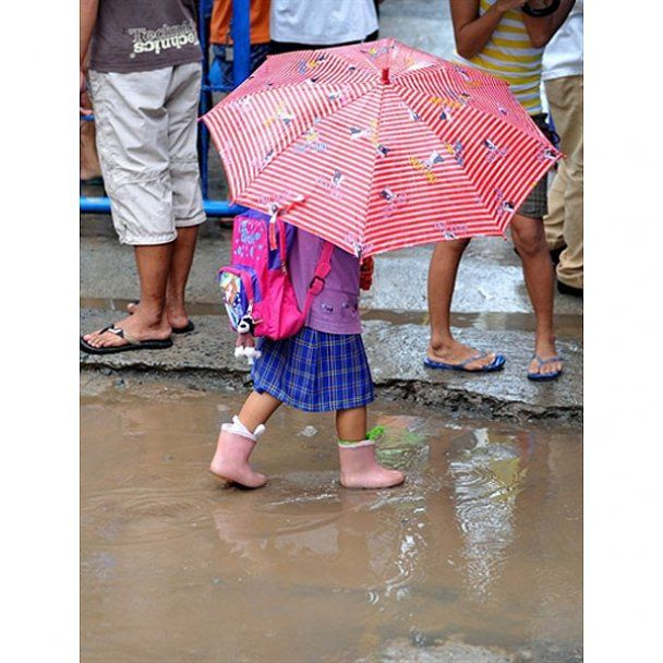 На Філіппіни обрушився потужний тайфун