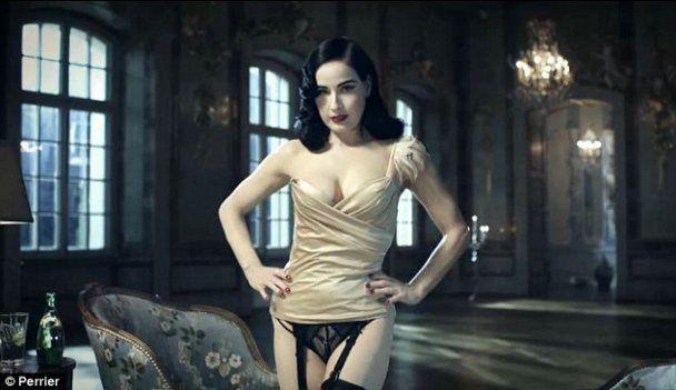 Діта фон Тіз знялась в сексуальній рекламі води