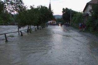 Румунія і далі потерпає від повеней