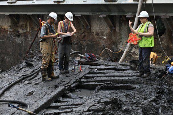 Під руїнами веж-близнюків у Нью-Йорку знайшли старовинний корабель