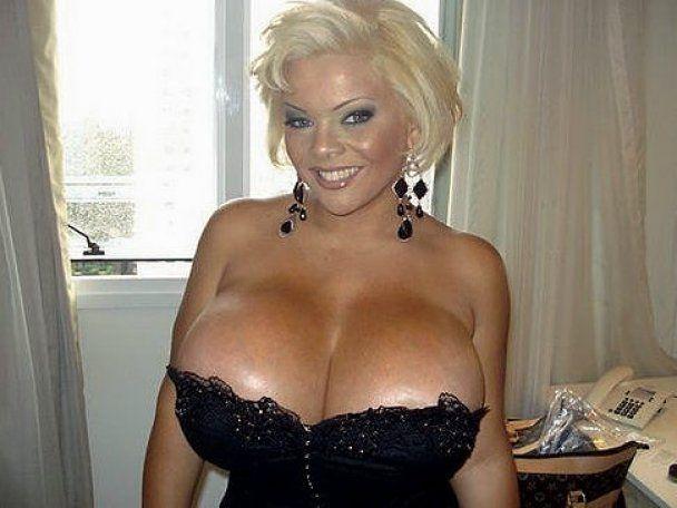 Бразильской топ-модели отрежут самую большую в мире грудь