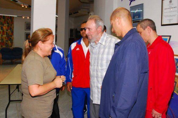 Фідель Кастро в океанаріумі_4