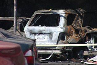 В Харькове на стоянке сгорели 11 автомобилей, 2 из которых принадлежали судье