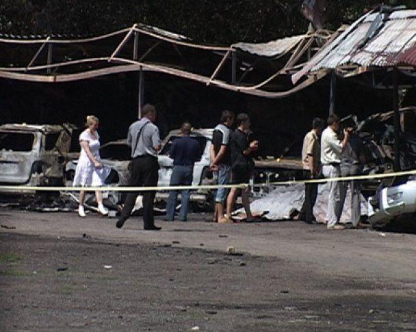 У Харкові на стоянці згоріли 11 автомобілів, 2 з яких належали судді