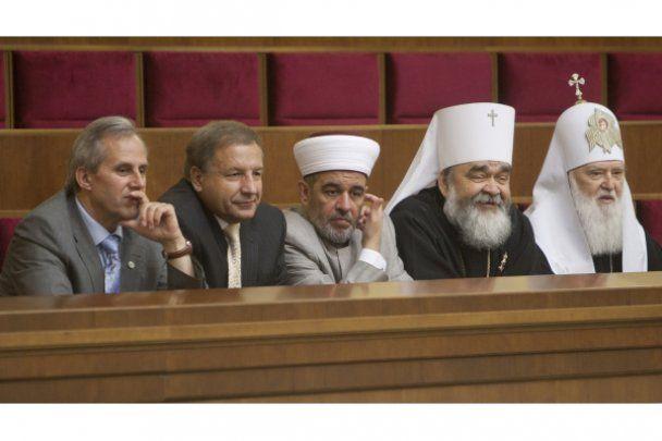На честь річниці суверенітету України депутати заспівали пісню про москаля
