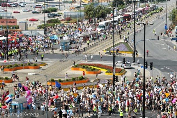 В Варшаве прошел первый в истории Польши гей-парад