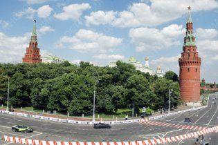 Автошоу у Москві почалось з двох аварій