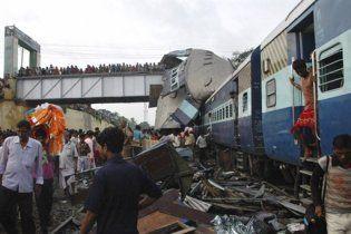 В Индии пострадавшие от столкновения поездов умирают из-за нехватки крови в больницах