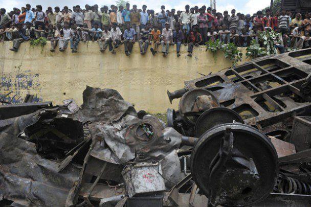 В Індії постраждалі від зіткнення потягів вмирають через брак крові у лікарнях