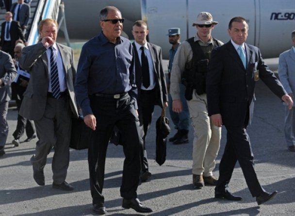 Из-за обстрела Кабульского аэропорта самолет с генсеком ООН не смог приземлиться