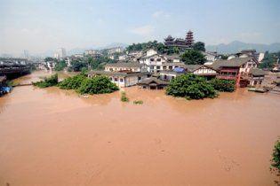 Зливи і повені з початку року призвели до загибелі 701 людини в КНР